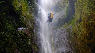 Canyoning-Fort-de-France-Canyons Extrêmes de l'Alma ou des Soeurs, Martinique-5