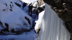 Canyoning-Hautes-Pyrénées-Canyon Hivernal / Ice Canyoning dans les Pyrénées-4