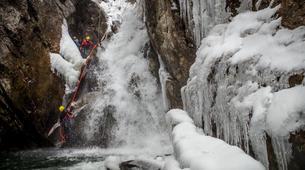 Canyoning-Hautes-Pyrénées-Canyon Hivernal / Ice Canyoning dans les Pyrénées-5