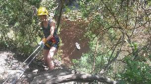 Abseilen-George-Abseiling down the Swart River Waterfall-1