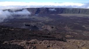 Randonnée / Trekking-Volcan Piton de la Fournaise-Randonnée sur le Piton de la Fournaise sur l'île de La Réunion-1