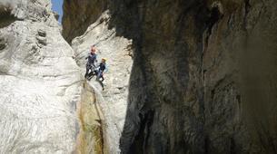 Canyoning-Ajaccio-Descente du canyon de la Richiusa à Bocognano près d'Ajaccio-11