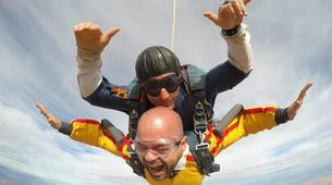 Skydiving-Madrid-Tandem skydive from 4000 meters near Madrid-3