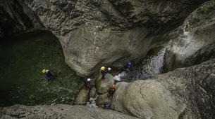 Canyoning-Ajaccio-Descente du canyon de la Richiusa à Bocognano près d'Ajaccio-5
