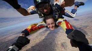 Skydiving-Madrid-Tandem skydive from 4000 meters near Madrid-10