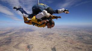 Skydiving-Madrid-Tandem skydive from 4000 meters near Madrid-9