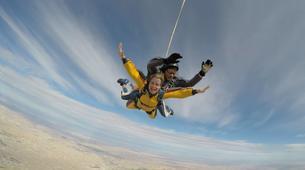 Skydiving-Madrid-Tandem skydive from 4000 meters near Madrid-2