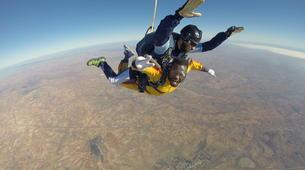 Skydiving-Madrid-Tandem skydive from 4000 meters near Madrid-15