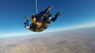 Skydiving-Madrid-Tandem skydive from 4000 meters near Madrid-12
