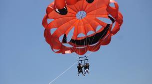 Parachute ascensionnel-Puerto del Carmen, Lanzarote-Vol en Parachute ascensionnel à Puerto del Carmen, Lazarote-3
