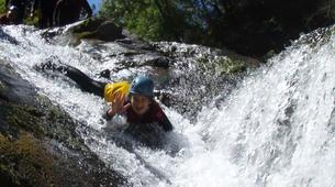 Canyoning-Ardèche-Canyon familial avec tyrolienne dans les gorges de l'Ardèche-5