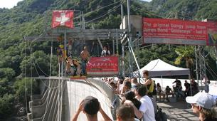 Bungee Jumping-Ticino-Bungee jumping from the Verzasca Dam (220 m.)-4