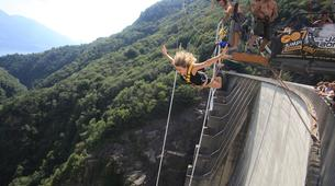 Bungee Jumping-Ticino-Bungee jumping from the Verzasca Dam (220 m.)-1