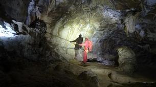 Spéléologie-Les Carroz, Le Grand Massif-Spéléologie dans la Grotte de Balme en Haute-Savoie-1