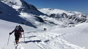 Raquetas de nieve-Sofia-Guided Snowshoeing Excursion on Vitosha Mountain near Sofia-5