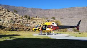 Helicoptère-Saint-Pierre-Survol des Volcans et Cirques de La Réunion en Hélicoptère-2