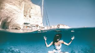 Voile-Milos-Semi-Private Sailing Tour in Milos, with Highlights to Kleftiko and Sykia Cave-1