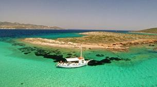 Snorkeling-Paros-Snorkeling boat excursion around Paros-1