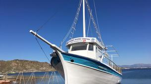Snorkeling-Paros-Snorkeling boat excursion around Paros-3