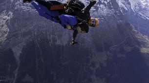 Skydiving-Interlaken-Tandem helicopter skydive over Interlaken or Lauterbrunnen-2