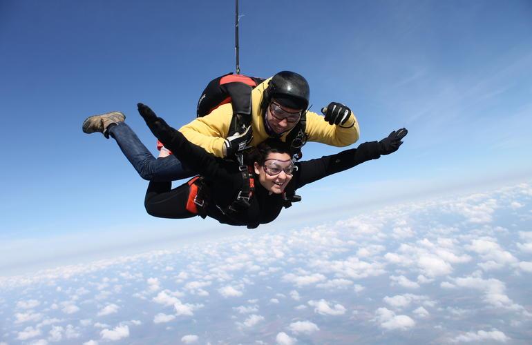 Parachutisme saut en parachute