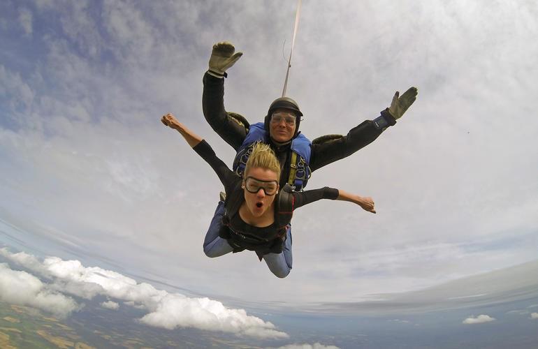 saut parachute adrenaline hunter