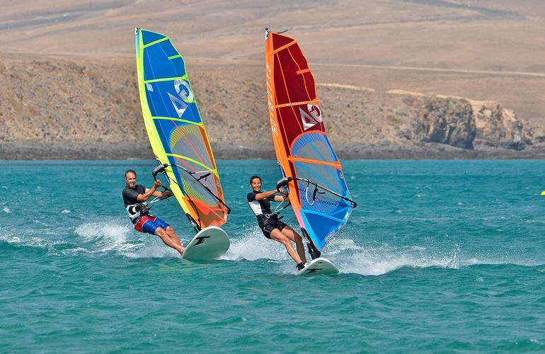 Kitesurf and windsurf in Fuerteventura