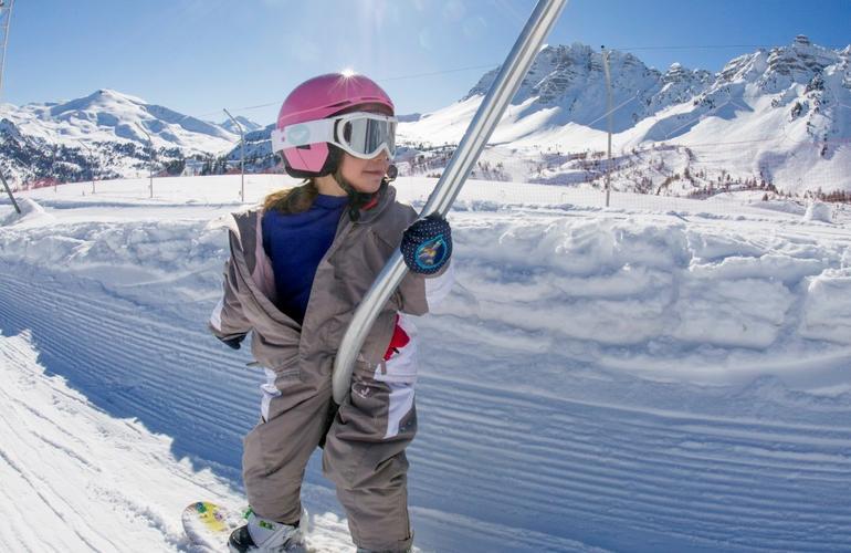 ski snowboard adrenaline hunter