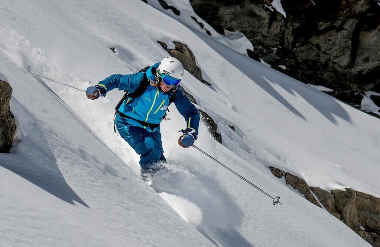 Ski Adrenaline Hunter