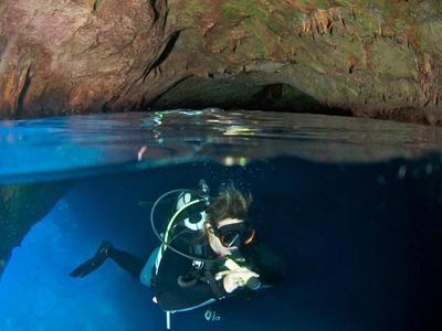 Scuba Diving: Adventure dives in Antiparos