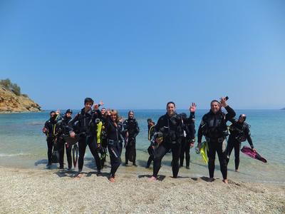 Scuba Diving: Discover Scuba Diving in Mononaftis Beach, near Heraklion