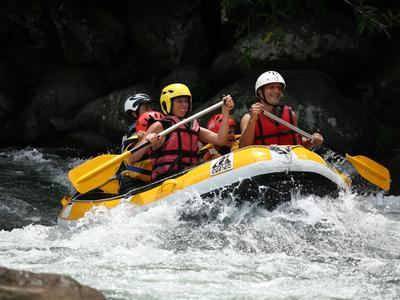 Rafting down River Marsouins in Reunion Island