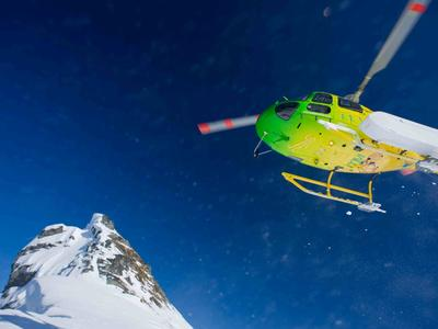 Private charter heliskiing trip from Queenstown