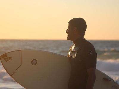 Surfing: Surfboard rental at Messakti beach, Ikaria