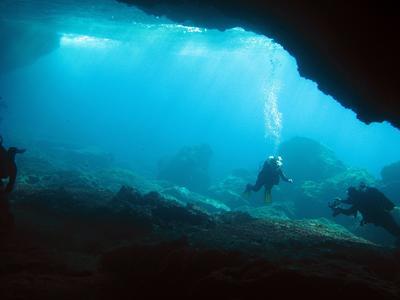 Scuba Diving: Scuba diving for certified divers in Nea Makri, Athens