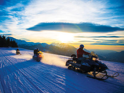 Snowmobile excursions in Les Carroz d'Arâches, Grand Massif