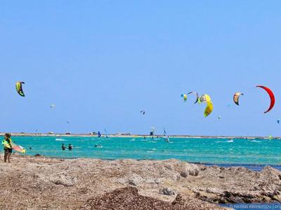 Kitesurfing: Kitesurfing rental in Lemnos