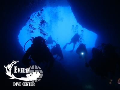 Scuba Diving: Adventure dives in Crete