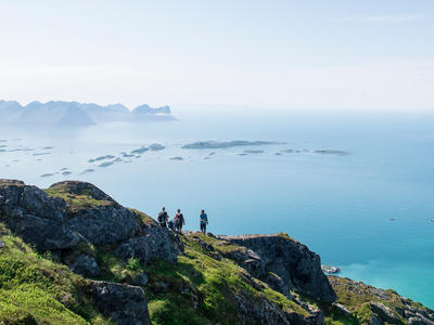 Hike & Sail Tour on the Arctic Haute Route