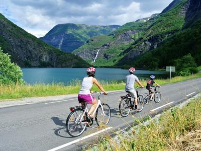 Bike & Hike in the Mørkrid Valley