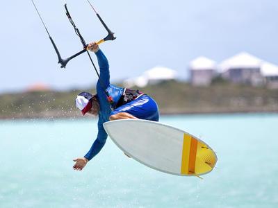 Kitesurfing: IKO Kitesurfing courses in Pounda, Paros