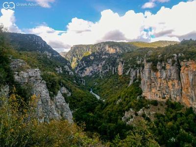 Hiking / Trekking: Hiking to Vradeto Steps and Beloi in Zagori, Greece