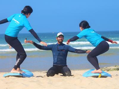 Surf lessons on Matosinhos Beach, Porto