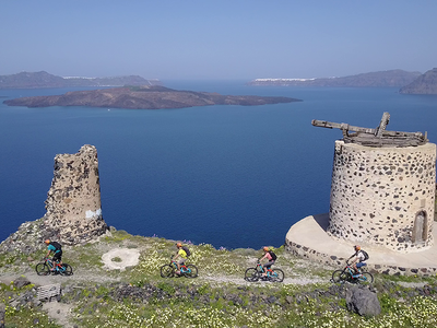 Expert E-bike Enduro Tour of Santorini, Greece