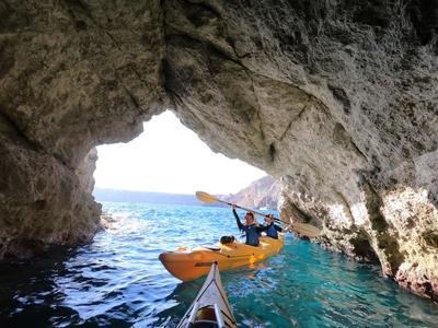 Sea Kayaking: Sea Kayaking tour from Kambia Beach in Santorini