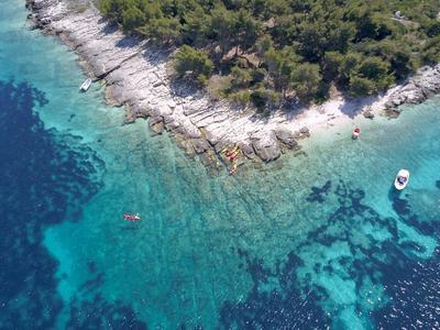 Kayak tour off the coast of Lumbarda near Korčula