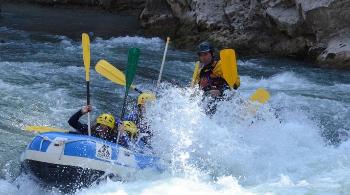 Rafting-Itxassou-Bidarray-Descente en Rafting de la Nive près de Biarritz-1