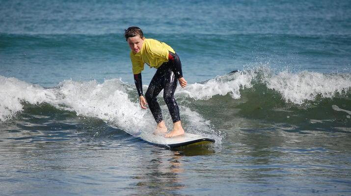 Surf-Perros-Guirec-Cours de Surf et de bodyboard vers Perros-Guirec-2