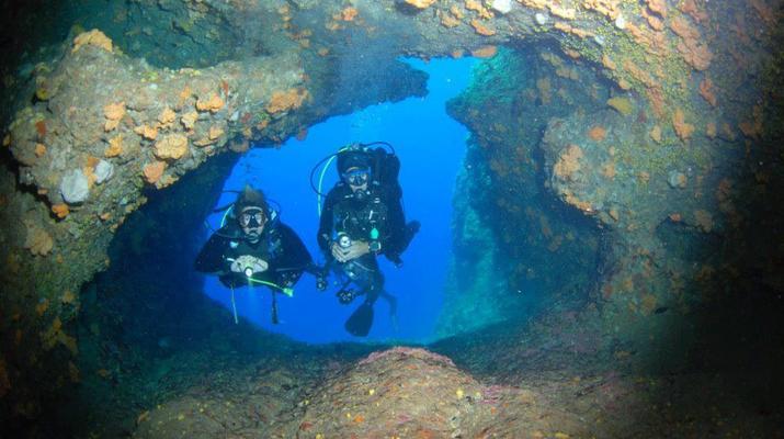 Scuba Diving-Antiparos-Adventure dives in Antiparos-2