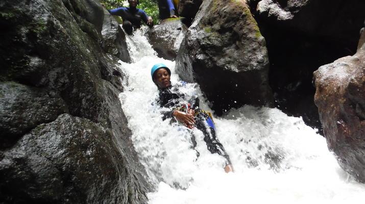 Canyoning-Fort-de-France-Canyon Tropical Découverte en Martinique-3